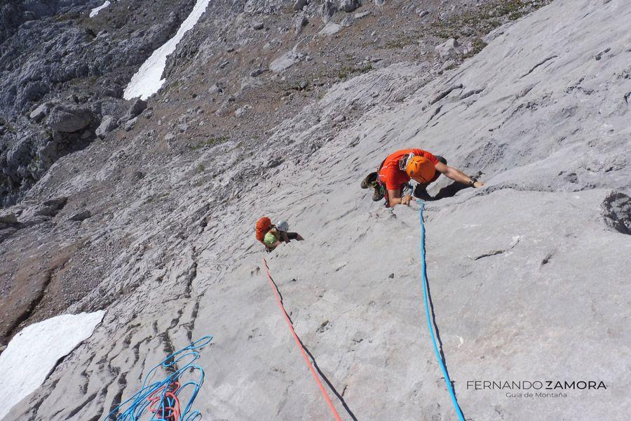 Cepeda escalada Naranjo con guía