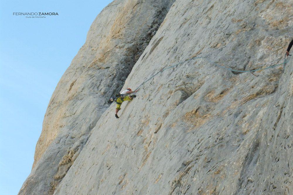 Travesía de escalada la Leiva. Picu Urriellu