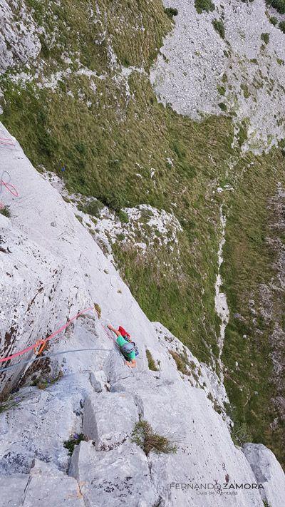 Croquis de escalada en el cueto agero