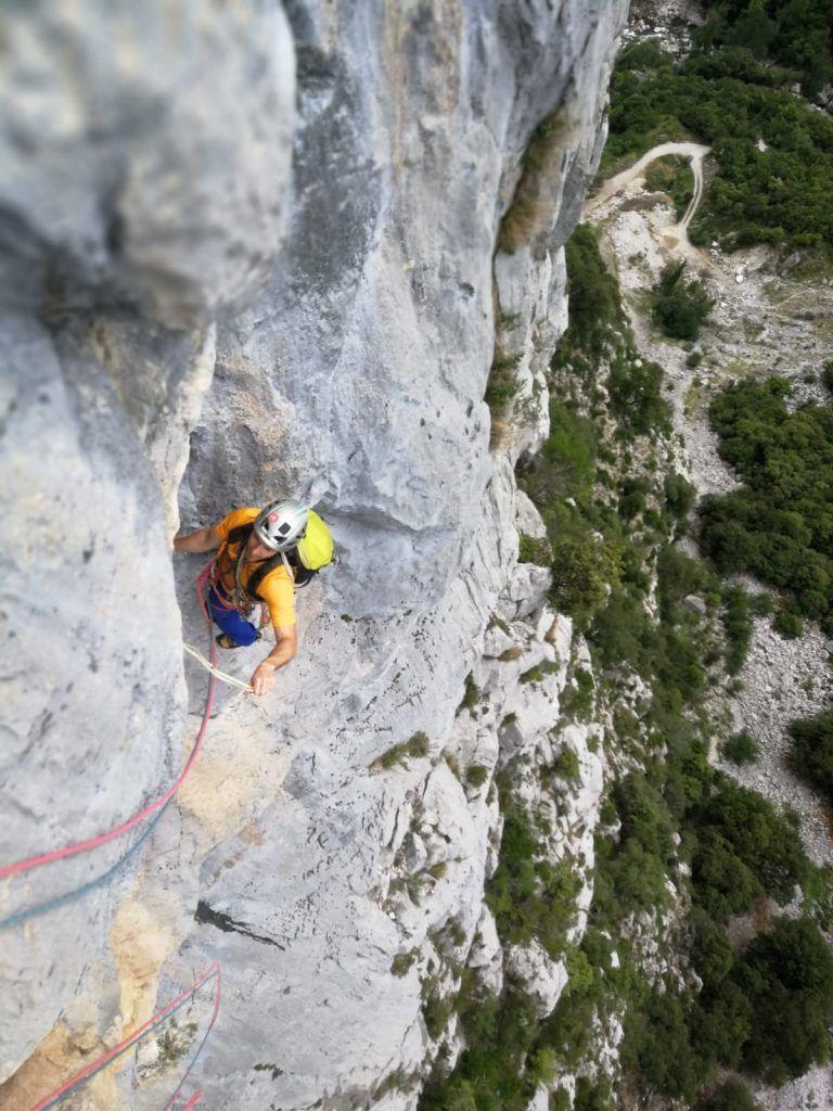 Vía de escalada La Vara en el Agero. Cuarto largo